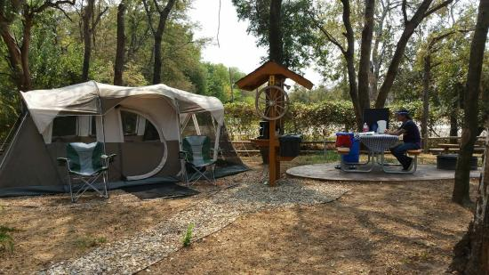 While close to a lot of popular sporting venues, the Dallas KOA feels like an escape from the city, with lovely shaded spots and patio seating. Photo courtesy TripAdvisor.